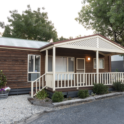 Albury Tourist Park Holiday Cabin 5 Berth 900px 00