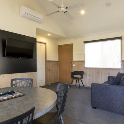 BIG4 Albury Tourist Park Accommodation 900px Oct 18 01